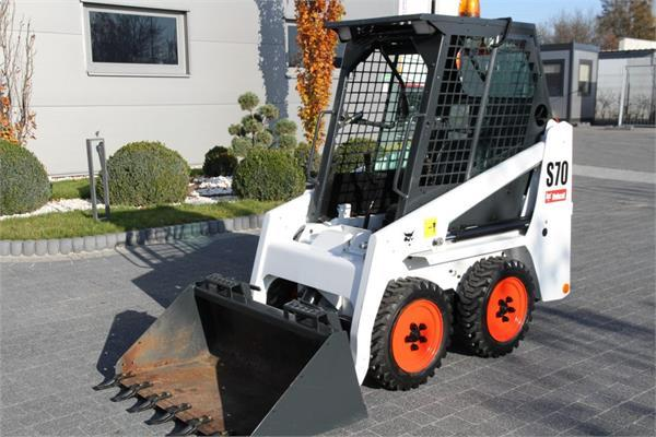 Bobcat MINI SKID STEER LOADER S70 LIKE NEW!