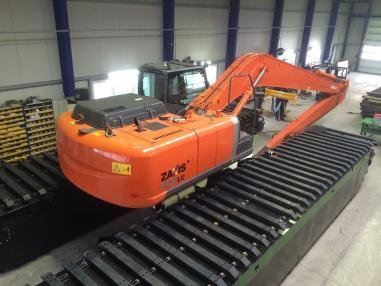 Hitachi ZX 160 long reach noch 2 stuck